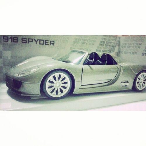 Merry Christmas babe @emr168 yan lang nakayanan ko :D Porsche 918Spyder
