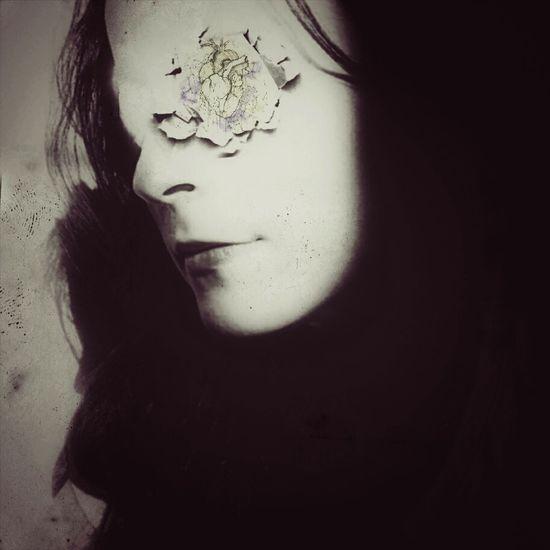 Cor_1 ArtWork Selfportrait Creativity Autoretrato Imagination Portrait Of A Woman Fragility Fine Art Introspection Introspect  Oniric Poesíavisual Dreams Collageart Collageartwork