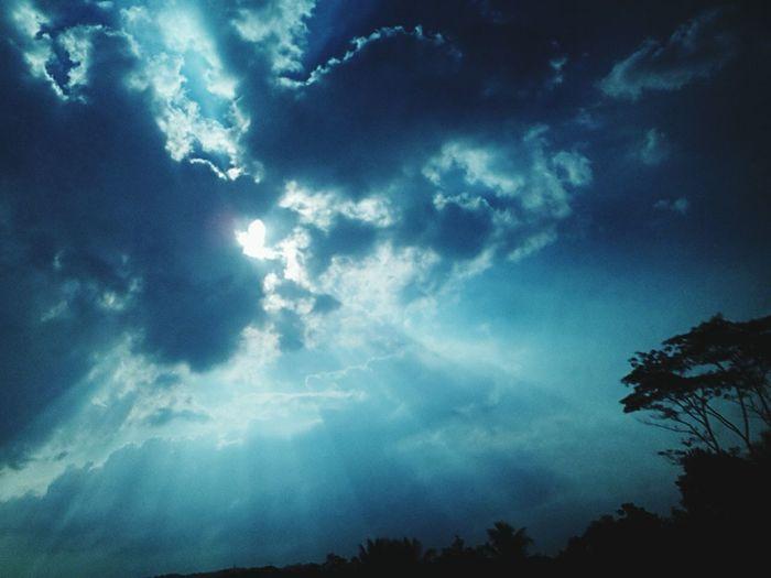 Latepost Sky Porn Sky And Clouds Edisimudik