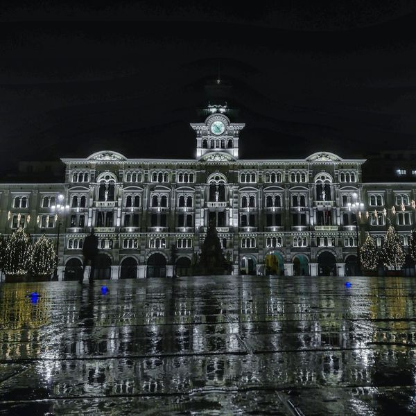 piazza unità d'italia natalizia Christmas Lights Piazza Unità Light Night Trieste Friuli Venezia Giulia History Architecture Travel Destinations No People Outdoors Politics And Government Built Structure Tourism Illuminated Arch Building Exterior Architectural Column