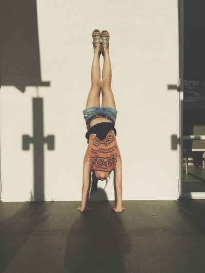Yoga Girl Handstand ♥  I Rock