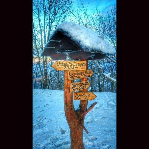 Winterwanderung auf die Lausche ,mit Blick auf das Zittauergebirge ,an der Grenze zwischen Deutschland und Tschechien picoftheday picofmyday sunrise sunshine beautiful instanature instashot followme frozen Ice snow winterwonderland