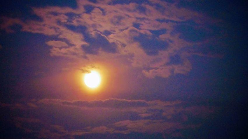 blood moon.. Photowalktheworld Astronomy Sunset Space Backgrounds Sun Moon Sky Cloud - Sky Sky Only Meteorology Fluffy Cumulonimbus Cyclone Majestic Atmospheric Mood Romantic Sky Emission Nebula Cloudscape Cumulus Cloud Hurricane - Storm Thunderstorm Cirrus Cumulus Dramatic Sky Infinity Idyllic Stratosphere Heaven Wispy