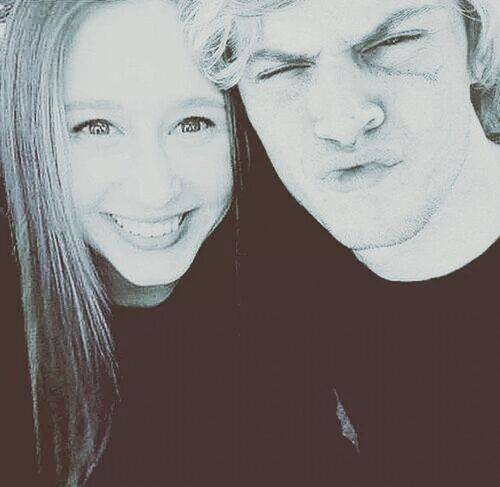 I love this series ♡♥Americanhorrorstory American Horror Story Tate And Violet Taissafarmigaevanpeters