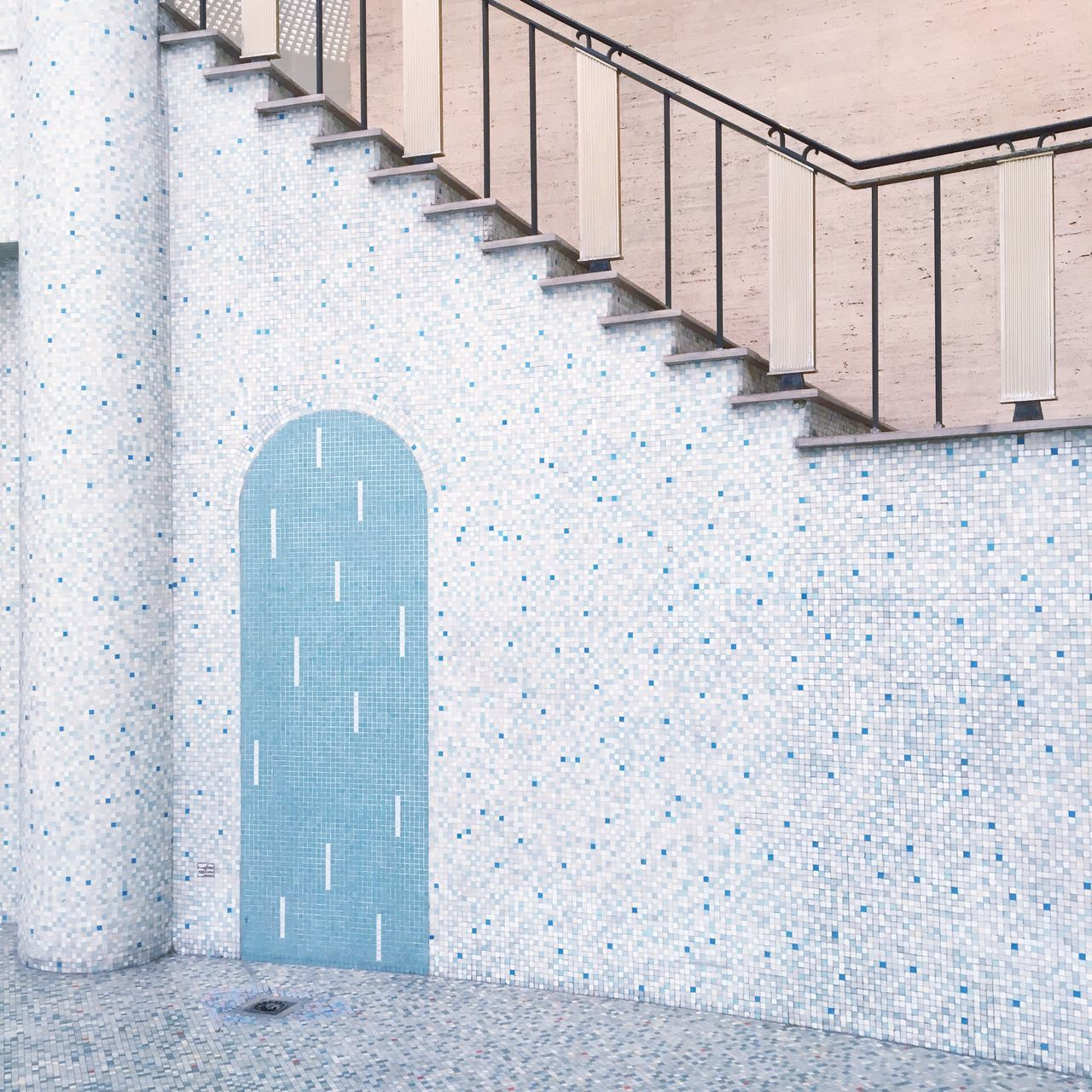 Mosaic wall by steps