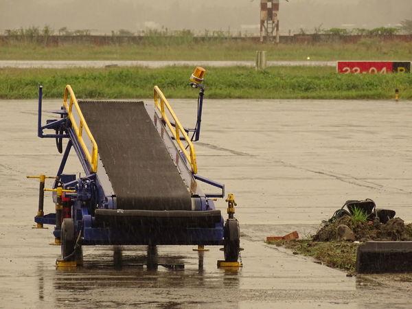Cloudy Day Rain Airport Airport Stuf Gloomy Gloomyday  No People Rainy