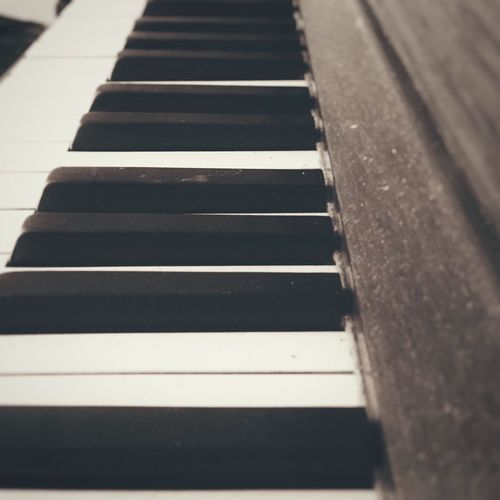 Play it, Sam. Play Mobilephotography Iphonephotography IPhoneography Iphoneonly Piano Pianoforte Minimalism