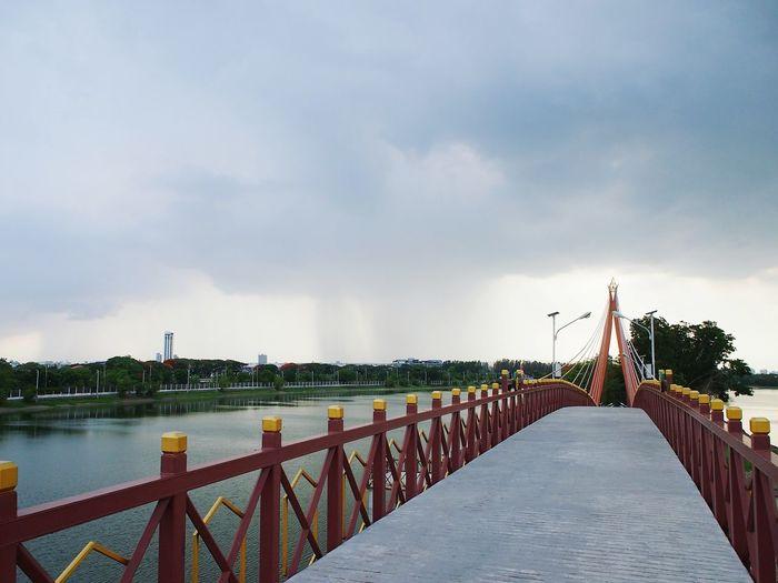 bridge and overcast sky Thailand Bangkok Overcast Rain Cloudy Storm City Sky Architecture Horizon Over Water Footbridge Thunderstorm Monsoon Atmospheric Mood Weather