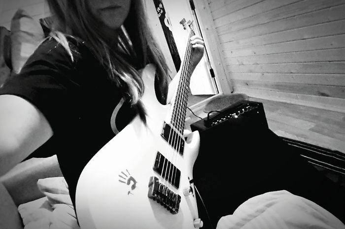 Life Style Rock Guitar Musik Playing Guitar Playing Music