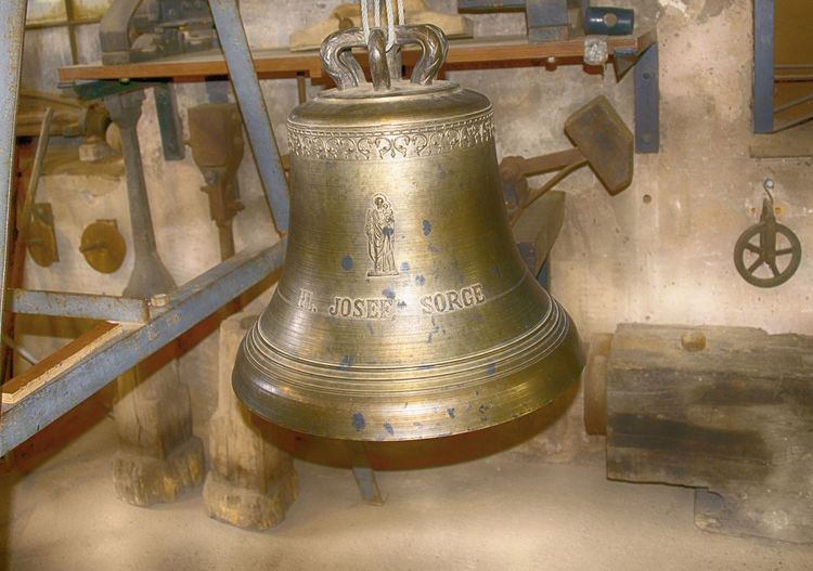 Kulturgiesserei Saarburg, eine sehr sehenswerte Glockengiesserei mit Charakter. http://www.kulturgiesserei-saarburg.de/ Bel Jar Bell Church Bell Church Bells Fabrik Fabrikhalle Factory Foundry Giesserei Giesserei Glocke Glocken Glockengiesserei Glockengiesserei Kulturgiesserei Saarburg Maschinen Metal Museum No People Werkzeug Workshop View