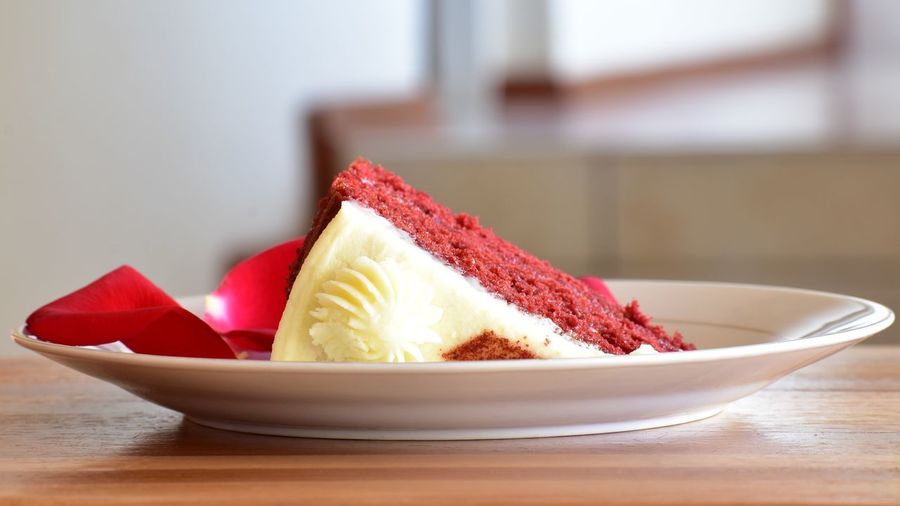 A Piece Of Red Cake Dessert Cake Piece Of Cake Food Sweet Food Delicious Cake  Baked Foods Cut Cake Red Velvet Cake White Cake Cream Attractive Food Colour Food Photography EyeEm Selects Red Sweet Food Close-up Slice Of Cake