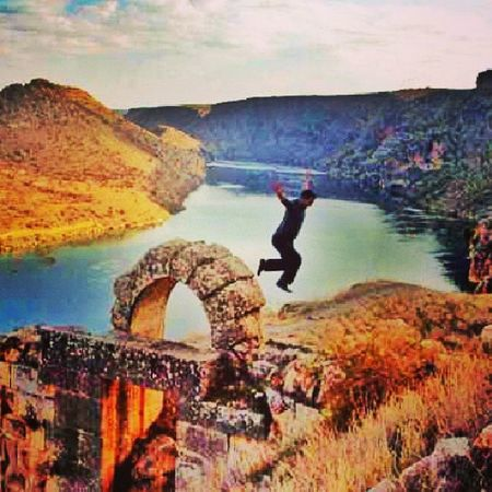 Fırat Firatnehri Rumkale Gaziantep turkey river oldcity history historical castle freedom happy mutluluk followme webstagram tweegram picoftheday follow4follow followback follow perfect follower onedirection justinbieber landscape latergram nyc
