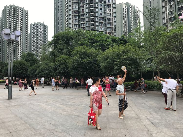 City Life Real People Large Group Of People Outdoors Day Square Dance Sport Sports Sport In The City City Live For The Story Lifestyles Streetphotography Art Is Everywhere IPhoneography IPhone Out Of The Box The Week Of Eyeem Enjoying Life Relaxing 廣塲上的老人🇨🇳載歌載舞