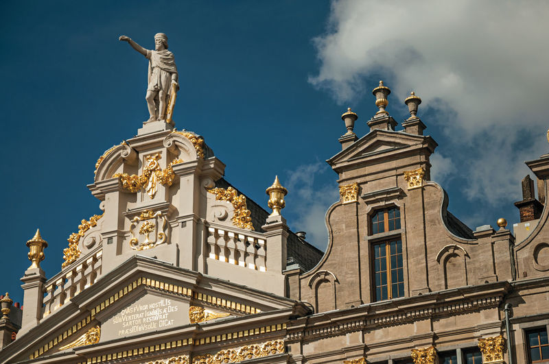 Rich and elegant decoration on historic buildings in brussels. the friendly capital of belgium.