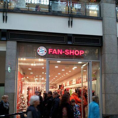 Nach BVB und S04 endlich was ordentliches in europas größtem Einkaufszentrum.