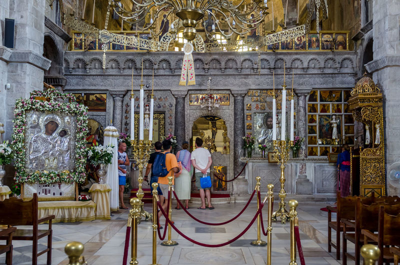 Panagia Ekatontapiliani Church Paros Virgin Mary Architecture Built Structure Ekatontapiliani Full Length Greece Indoors  Lifestyles Orthodox Panagia Place Of Worship Real People Religion Spirituality Standing Statue