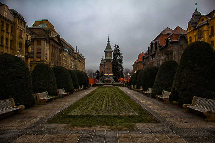 Christmas at my Hometown , now i live in Germany but Romania will be always Home :) 100D Architecture Attilaphotographie Building Exterior Built Structure Canon Canonphotography City City Cold Winter ❄⛄ Cultures Day Happiness Home No People Outdoors Outside People Romania Sky Timisoara Travel Travel Destinations Travel Photography Traveling