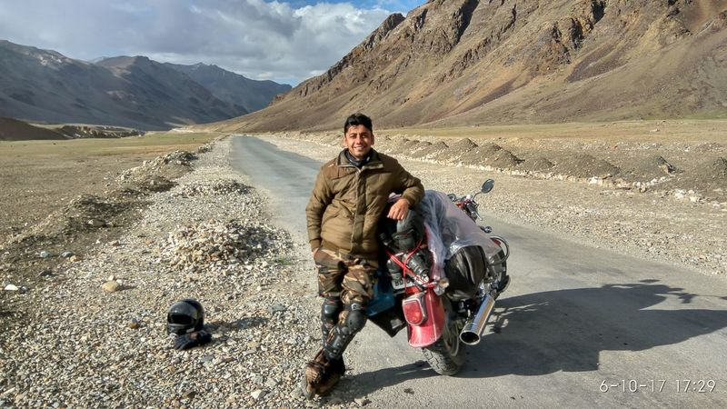 Adventure Biker Leh Leh Ladakh Leh Ladakh India Motorcycle Mountain Mountain Range Riding Let's Go. Together. EyeEm Selects Nature Photography Breathing Space Lost In The Landscape Connected By Travel Second Acts Shades Of Winter Love Yourself