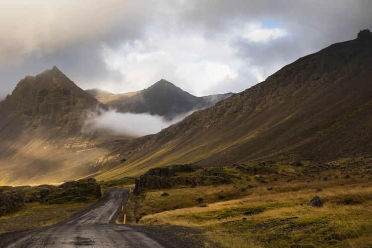 Endless road Travel Mountain Landscape Non-urban Scene Nature Beauty In Nature Iceland Ring Road, Iceland EyeEm Best Shots EyeEm Nature Lover Cloud - Sky No People Tranquility Beautiful Outdoors Road