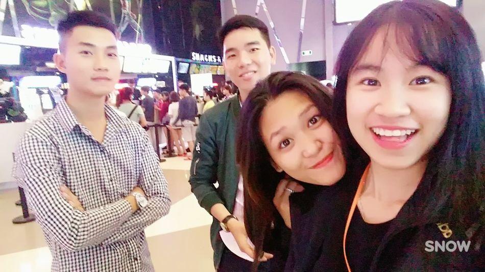 Triển đẹp :))) Looking At Camera Friendship 加油清泉 Lifestyles Freshness Togetherness Thai LAM Triển Hiểu