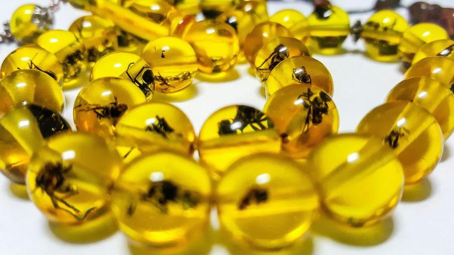 Tesbih çamözü Karınca Hapsolmuş Sarı Yellov Ant @bozagciadem birşeyler bırakmışlardır arkalarından, büsbütün erimeye razı olmamıştır kimse. Oguzataytutunamayanlar