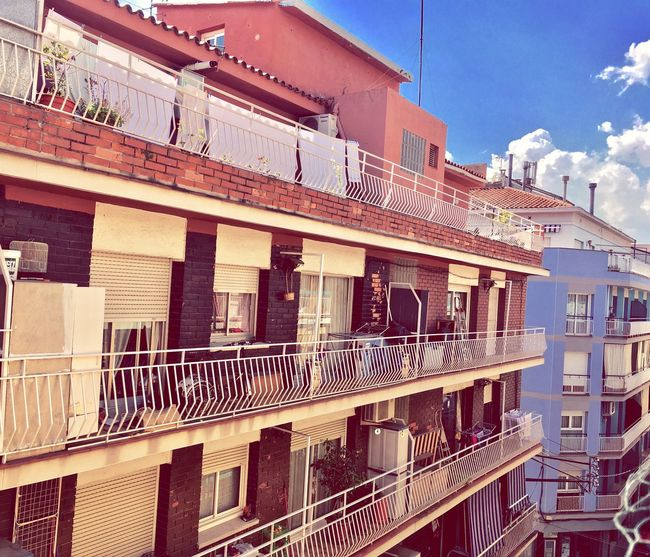 Spain🇪🇸 Arhitecture Photography Built Structure Sunlight Neighborhood No People Sky And Clouds