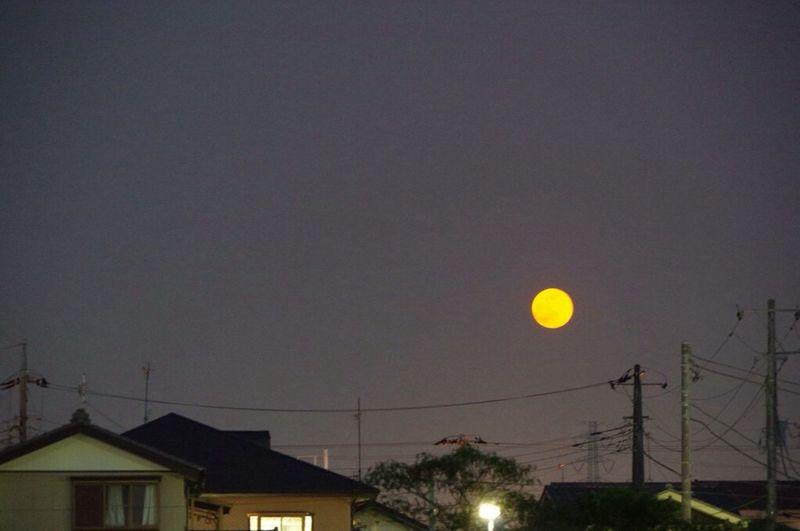 まんまる月が呆気なく ふんわり空へと舞い上がる Pentax K-3 Moon 十五夜 満月 望月