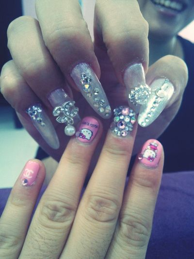 Hello Kitty Coco Chanel Nail Art Diamond remix nail artist