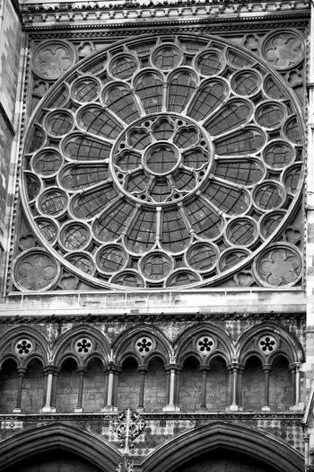 Beautiful geometry Pattern, Texture, Shape And Form Pattern Photography Urban Photography Urban Geometry 3XPUnity Taking Photos Close-up Reflection Photography Reflections Façade Sculptures Statues Religion Spirituality Pattern Architecture Rose Window Historic Architecture And Art History Carving Historic Building Architectural Design Arch Place Of Worship Cathedral Stained Glass