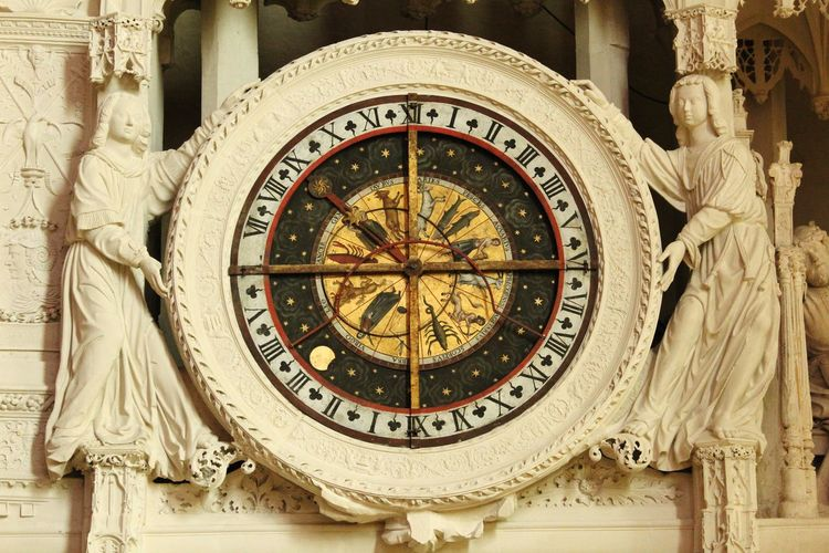 Astrology watch.... EyEmNewHere Indoors  Building Interior Building Story Clock Face Astrology Sign Roman Numeral Clock Astronomy Close-up Architecture Astronomical Clock Historic History Historic Building