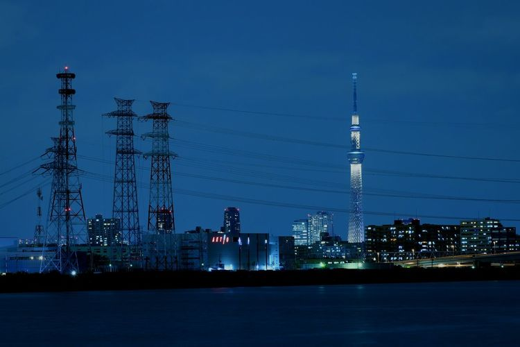 Night Tower Illuminated River Nightscape Nightview Nightphotography Lightning Japan Tokyo Skytree Tokyoskytree Highvoltage Steeltower