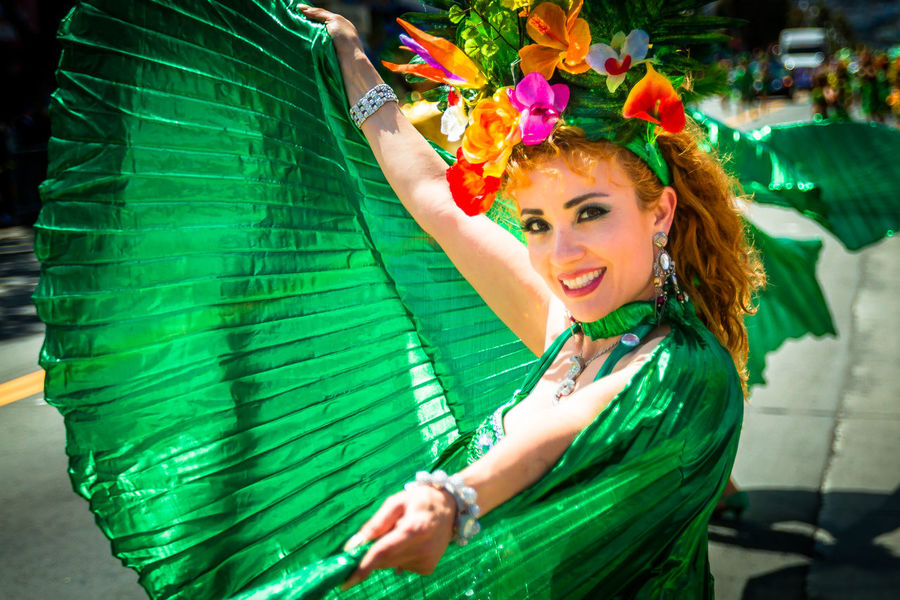 Carnaval Festival Missiondistrict Colors Of Carnival StreetDancers Streetdancing Streetdance Parade Sanfrancisco Feathers Feather  Headpiece Flowers Headpiece Carnival