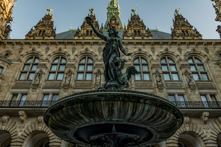Fountain Architecture Building Exterior Built Structure City Cultures Day Early Morning Fontain No People Outdoors Sky Statue Townhall Hamburg Travel Destinations
