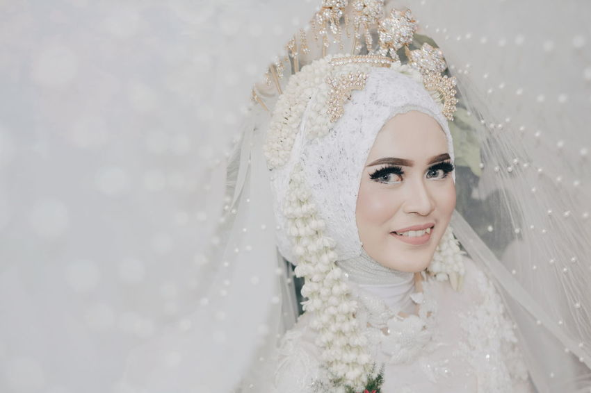The bride Only Women Portrait Beauty Beautiful Woman Smiling One Woman Only Adult Adults Only One Person One Young Woman Only People Headshot Young Adult Happiness Human Body Part Young Women Human Face Women Glamour Females Fashion Fashion Stories Front View Wedding Dress