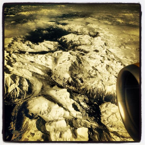 Somewhere between The UK and BCN. Desde El Cielo Plane