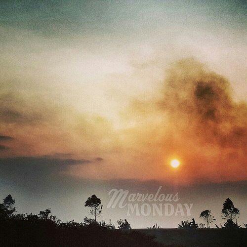 märv(ə)ləs monday ? CloudSpirit