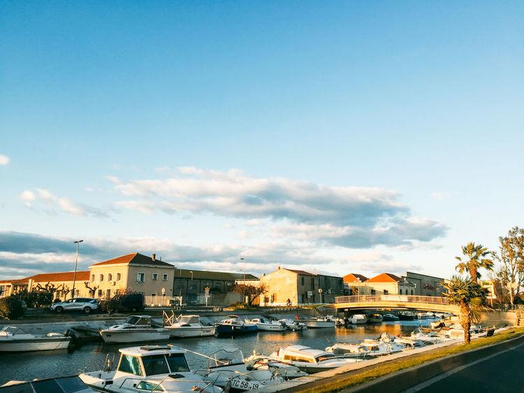 Blue Boat Built Structure City Outdoors SETE Setembro Sky Yacht