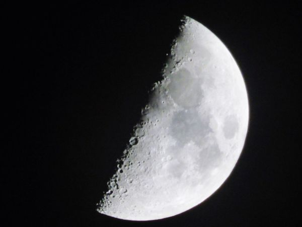 Check This Out Taking Photos Point And Shoot Moonlight Moon Shots Moon Close-up Moon Rising Craters Of The Moon Outerspace Man In The Moon