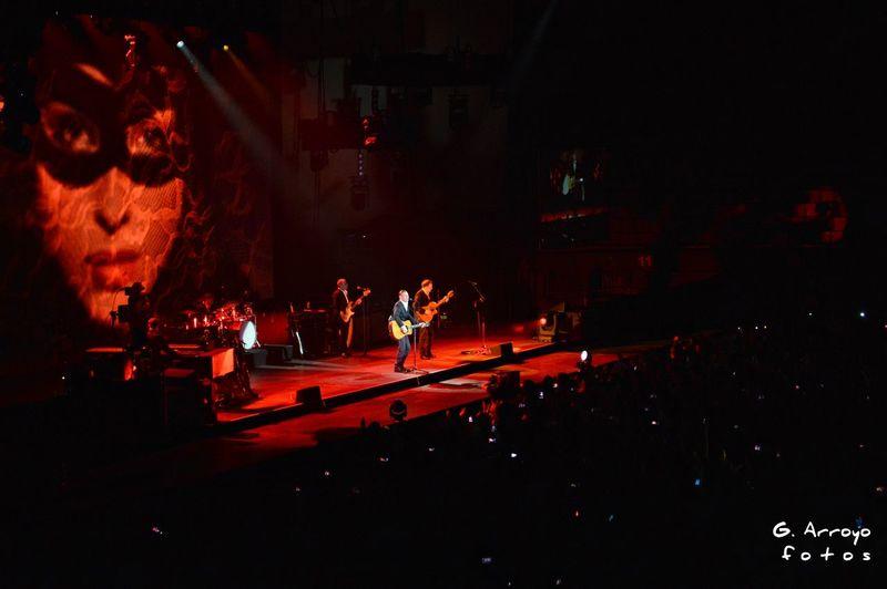 Rockstar ☆ Palacio Vistalegre Live Music Concierto Concert Photography Concert Madrid Photograph EyeEm Gallery Photography Guitar Guitarrista Guitarra Eléctrica Guitarist Musico Guitarra Rockstar Rock'n'Roll Music Bryan Adams