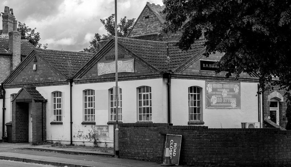 Dog Groomers, College Street, Wellingborough, Northamptonshire Architecture Monochrome FUJIFILM X-T10 Fujifilmxt1 Black And White Wellingborough Northamptonshire Industrial Urban