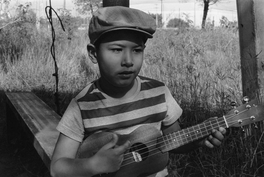 Canon F1 Fujifilm Acros 100 Film 135mm Filmcamera Film Photography Acros100 Fujifilm Blackandwhite Blackandwhite Photography Music Guitar Playing Casual Clothing Leisure Activity One Person Plucking An Instrument