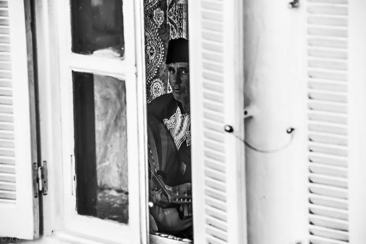 Retrato realizado durante un viaje a Marruecos. Africa Blackandwhite Culture Music People Portrait Summer Tanger  Traveling Window Travel Travel Photography Men EyeEm Best Shots EyeEmBestPics EyeEm Gallery Connected By Travel