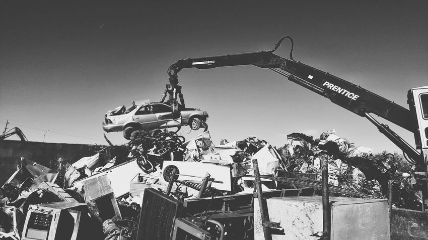 Junkyard Car Lift - Sky Outdoors Clear Sky Day Car Junkyardcar Junkyard Scrapyard Samsungphotography Mobile Photography Samsung Galaxy S6 Edge Black & White Black And White Photography