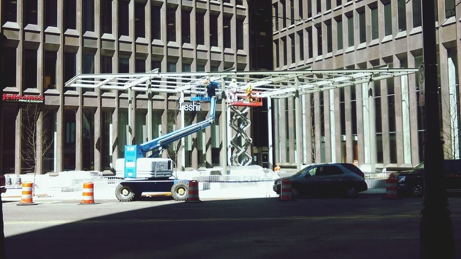 Building renovations in downtown Detroit. Architecture Architecture_collection Renovations Renovating Building Exterior Building Site Men At Work  Crane Building Crane Low Boy Windows Lines And Shapes Buildings The Architect - 2016 EyeEm Awards