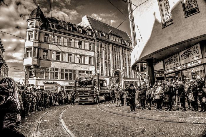 De Zoch kütt... sagt man im Rheinland Adults Only Architecture Building Exterior City Day HDR Hdrphotography Karneval 2017 Karnevalszug Large Group Of People Outdoors People Rosenmontagszug Streetphotography