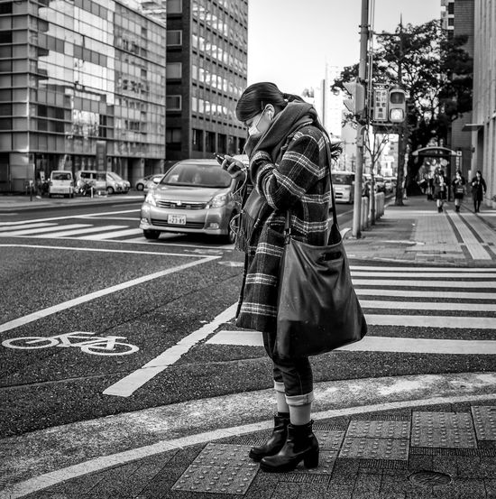 Playlist Japan Japanese  Japan Photography ASIA Street Streetphoto_bw Streetfashion Streetsyle Streetphotography Blackandwhite Monochrome City Urban Downtown Fashion Style FujiX100T People Candid Woman Cooljapan
