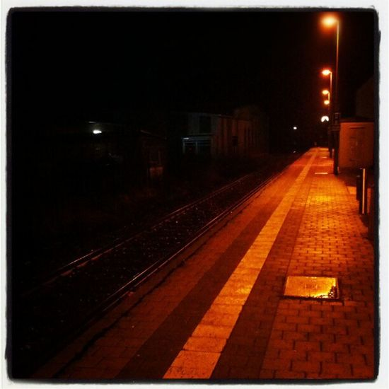 Waiting for my wife on a rainy Saturday evening. #Igensdorf #rain #Saturday #railwaystation Rain Saturday Railwaystation Igensdorf