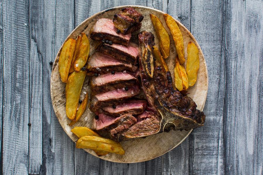 BBQ BBQ Time BBQing Beef Food Food And Drink Meat Plate Potatoe Fries Ready-to-eat Roast Dinner SLICE Steak Tbone Tbonesteak