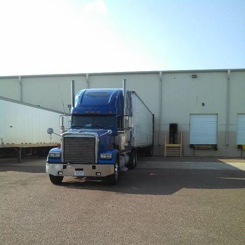 Loading Laredo Texas Truckersmovetheworld Truckdriver