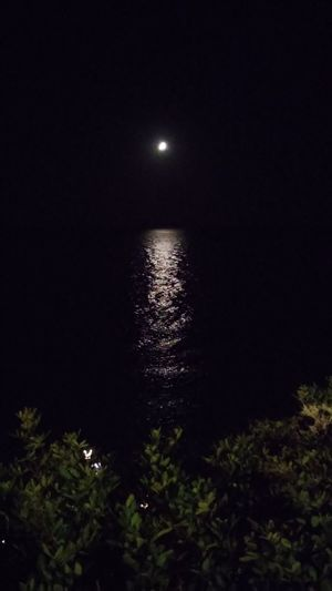 Moon Water Seascape Outdoors Non-urban Scene Majestic Beauty In Nature Tranquility Full Moon Reflection Dark Scenics Night Nature Tranquil Scene Remote Moonlight Idyllic Sea Sky Sperlonga Beautiful